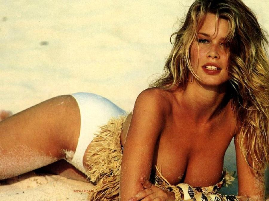 Claudia Schiffer and her sexy photos - 4