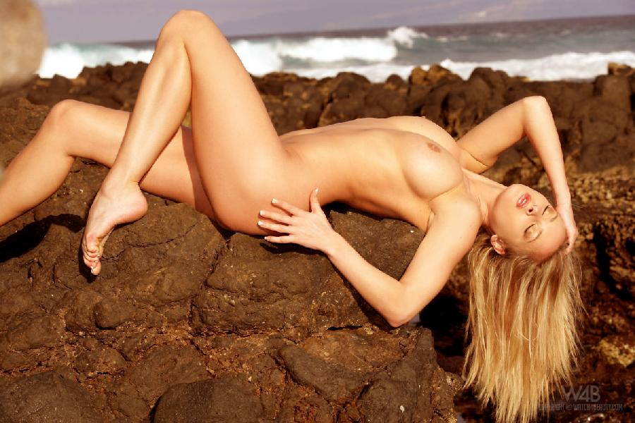 Warm Tenerife with hot blonde - Zdenka Podkapova - 3