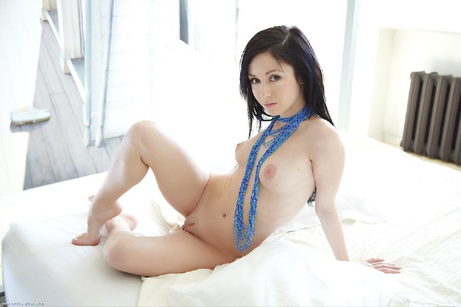 Dark hair babe with attractive body - Night - 11