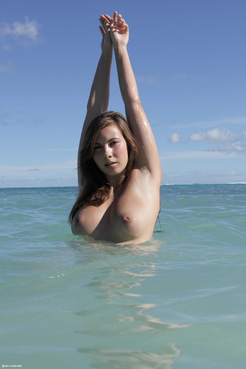 Beach goddness and her great body - Connie - 4
