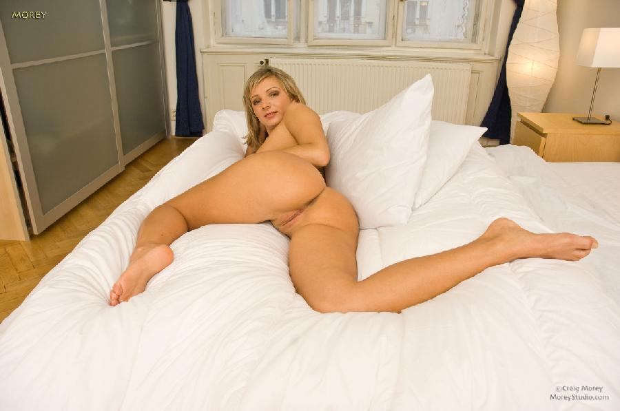 Naked blonde chick is ready to anal - Kamila - 7