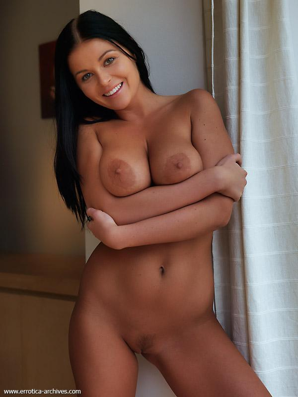Naked brunette with tanned body - Karima (12 pics) - Busty | Erooups.