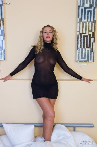 Curly-haired blonde and her huge session - Roxy