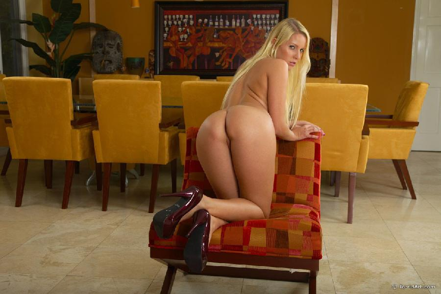 Horny blonde needs your cock - Vanessa - 10