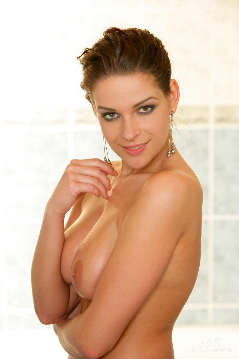 Website geared Angelina love nude photos containing
