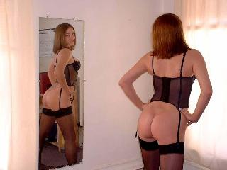 Fantastic redhead in sexy lingerie