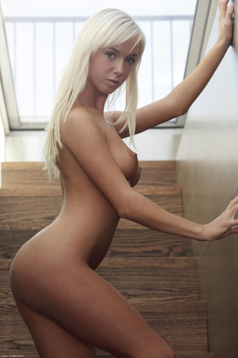 Blonde seductress with perfect body - Megan - 6