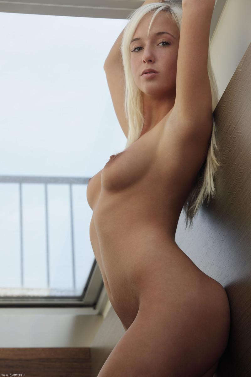 Blonde seductress with perfect body - Megan - 8