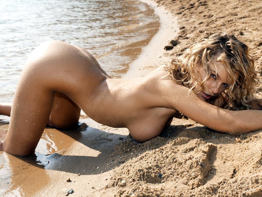 этом девчонки голый на пляже негритянки голые африканки