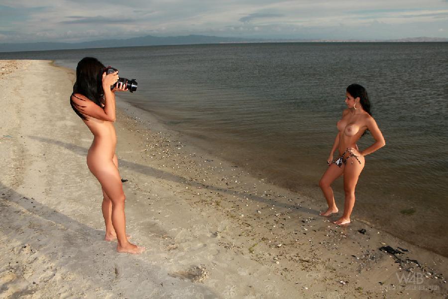 Two young latinas on the beach - Ruth Medina & Zaza - 3