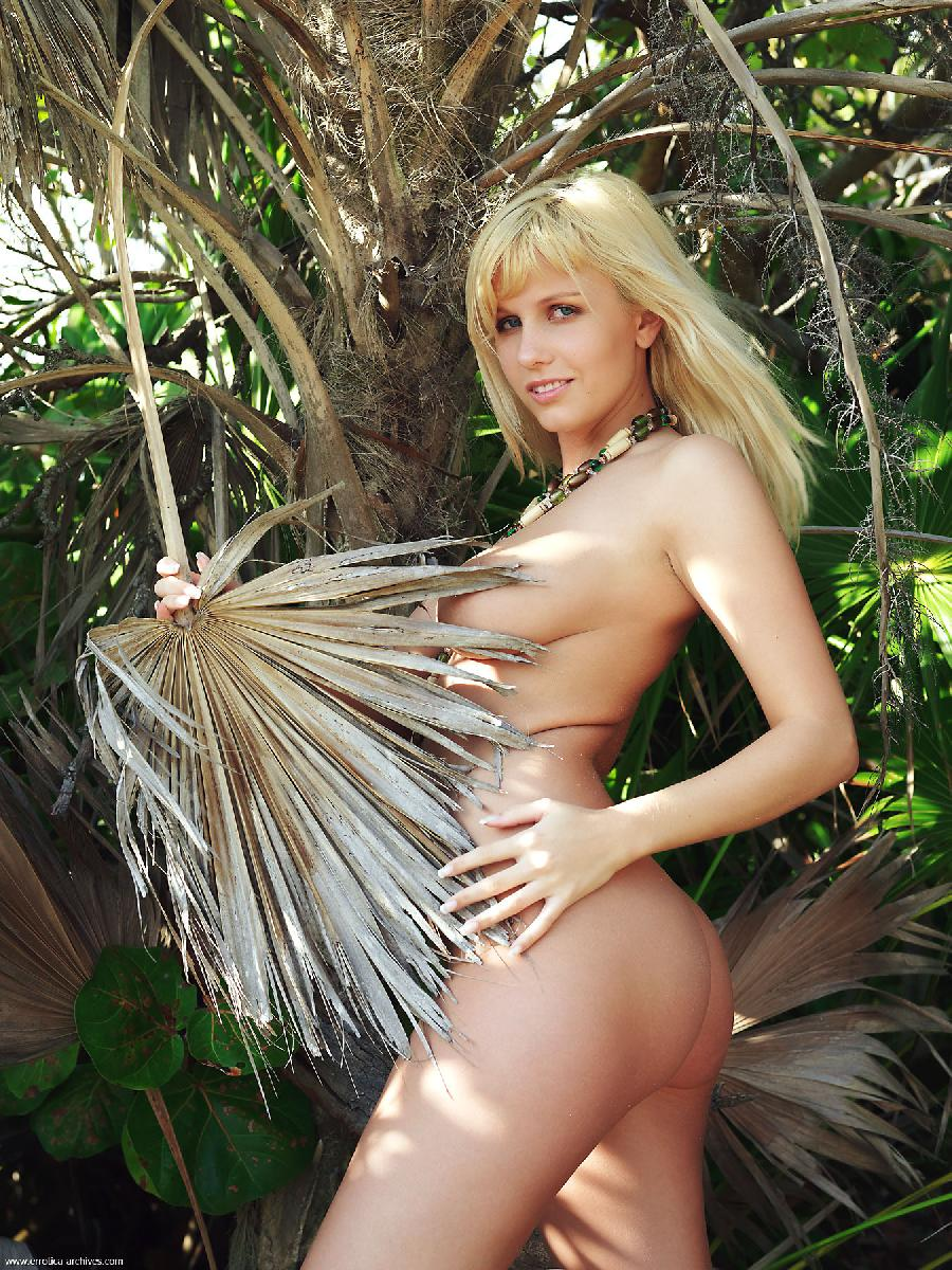 hot-sex-pussy-in-jungle