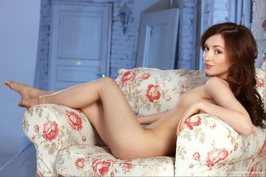 Cute girl on armchair - Vicca - 8