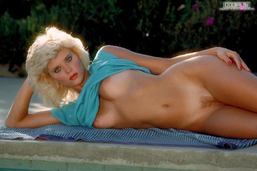Hot model with old hair-style - Ginger Lynn - 8
