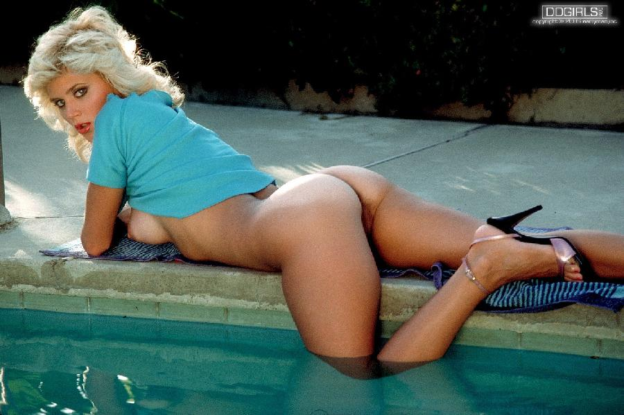 Hot model with old hair-style - Ginger Lynn - 9