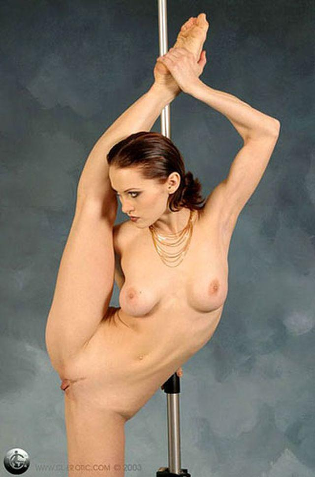 nude sexy pole dancers