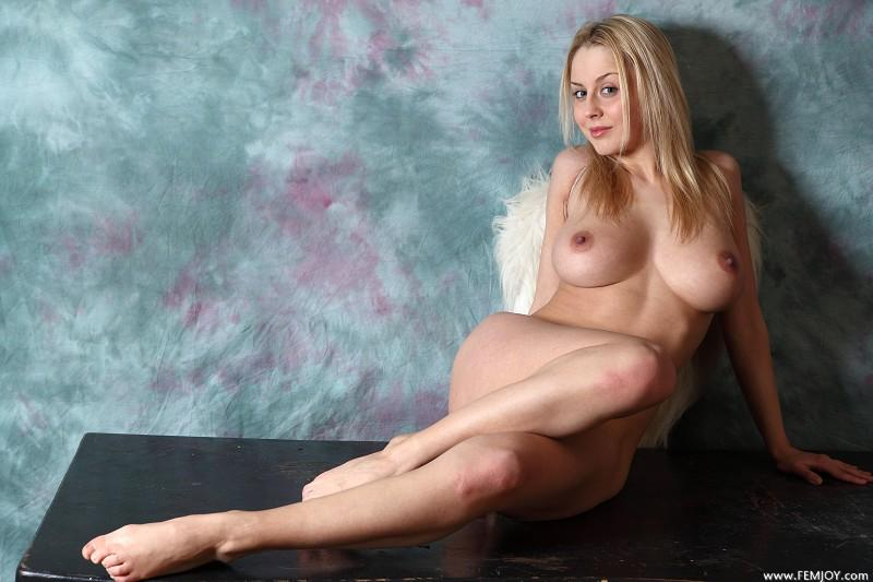 Busty andel with superb body - Aelita - 6