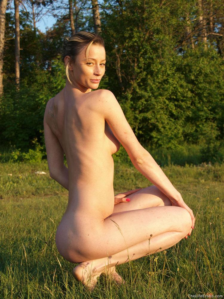Abby in nude session - 2