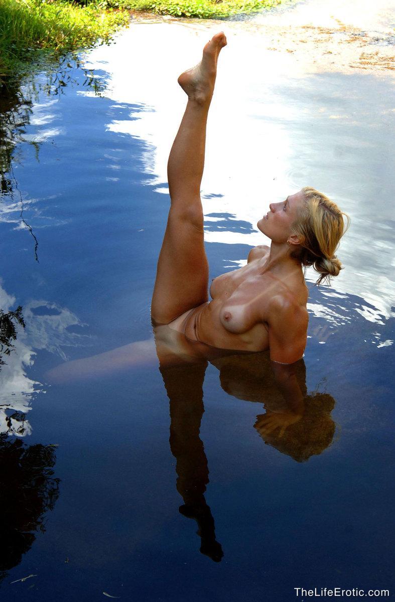 Секс с каратисткой порно 8 фотография