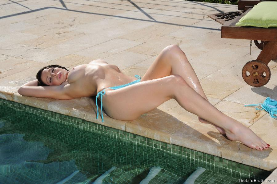 Compelling brunette in turquoise bikini - Kirsty - 11