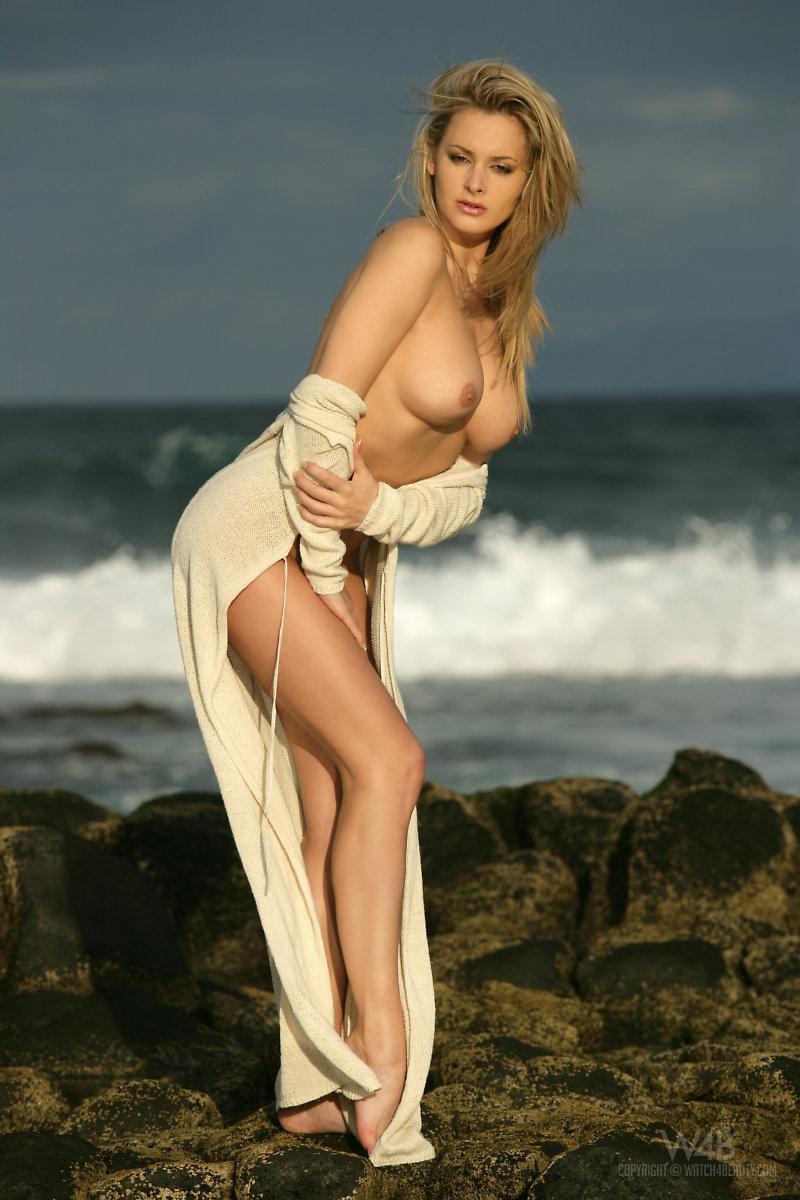 Amazing blonde at the seaside - Zdenka Podkapova - 4
