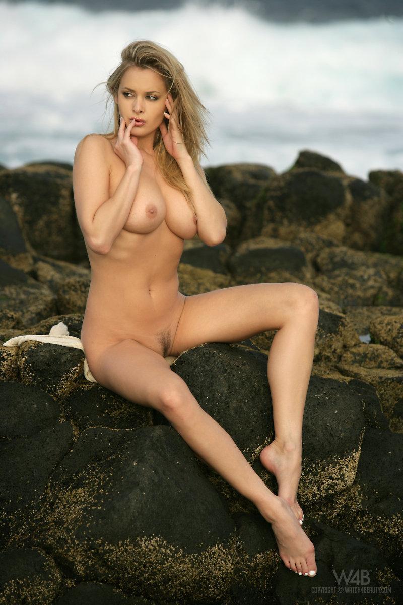 Amazing blonde at the seaside - Zdenka Podkapova - 9