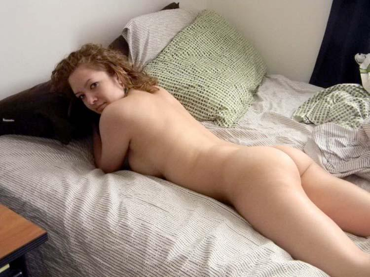 nude bed Amateur on