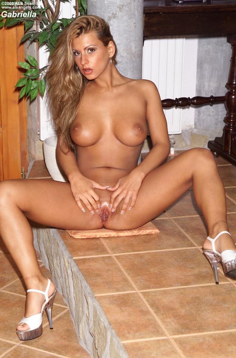 Gabriella shows perfect body - 11