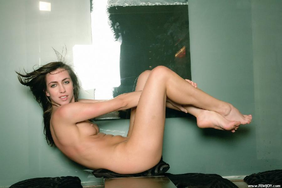 Crazy Nettie shows her body - 7