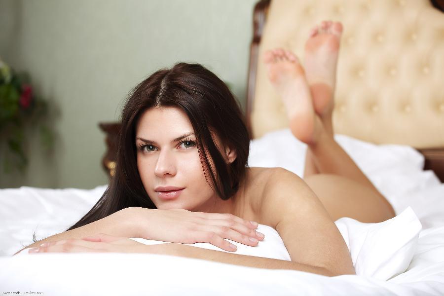 Gerda likes sleep naked - 11
