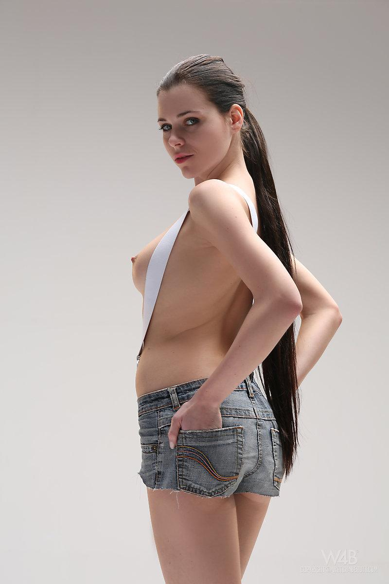Long-haired model in enticing poses - Valeria - 2
