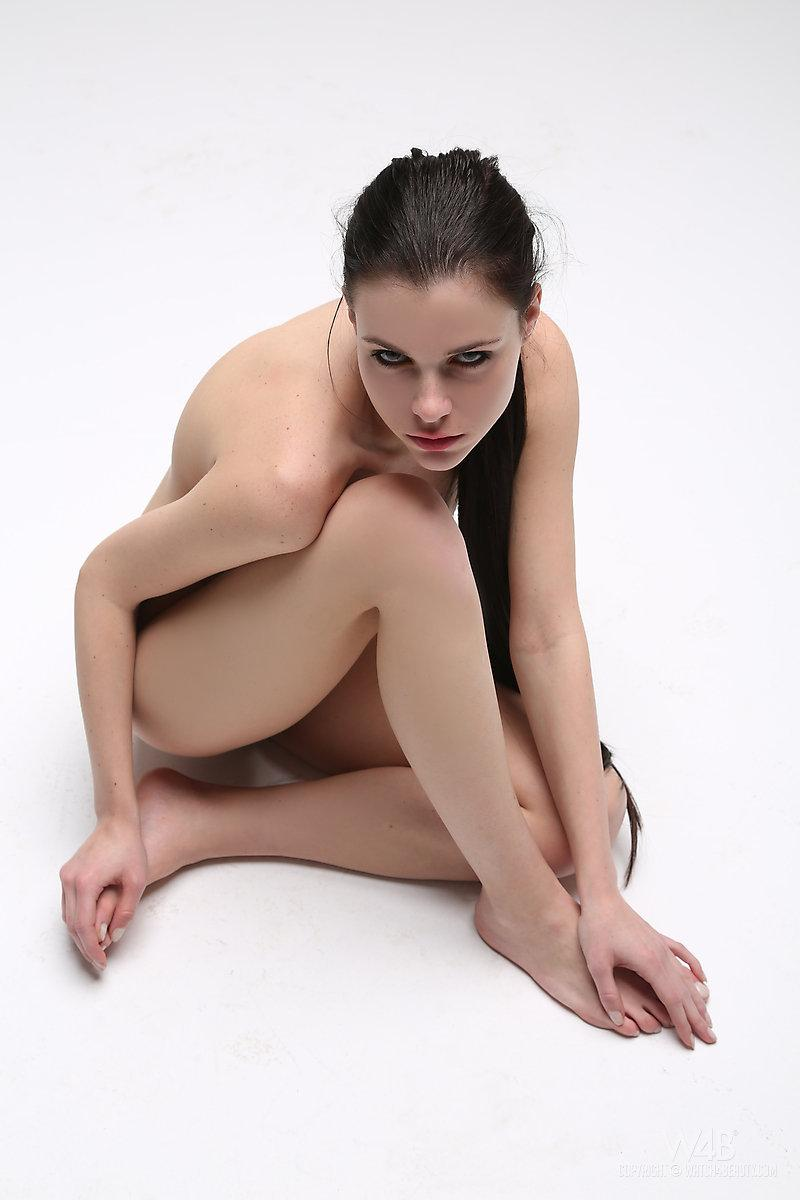 Long-haired model in enticing poses - Valeria - 8