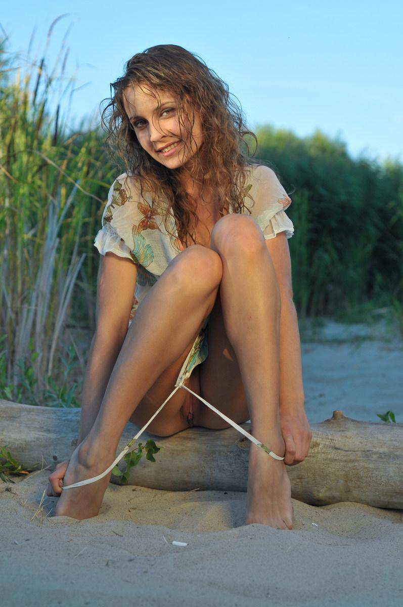 She loves to get naked in Nature - Lina G - 2