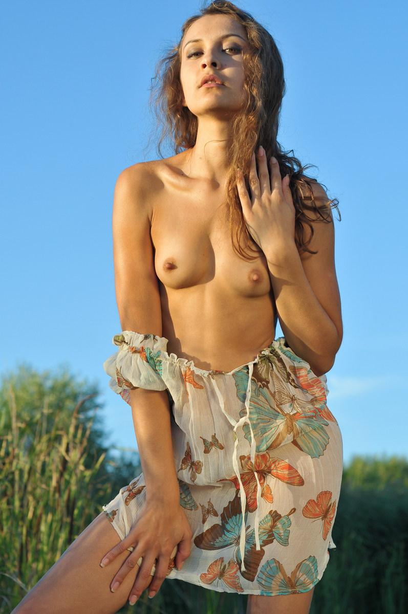 She loves to get naked in Nature - Lina G - 7