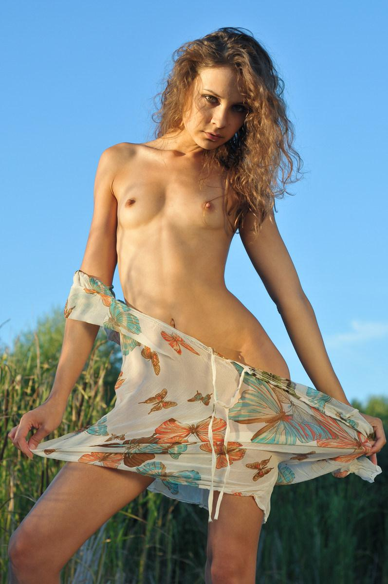 She loves to get naked in Nature - Lina G - 8