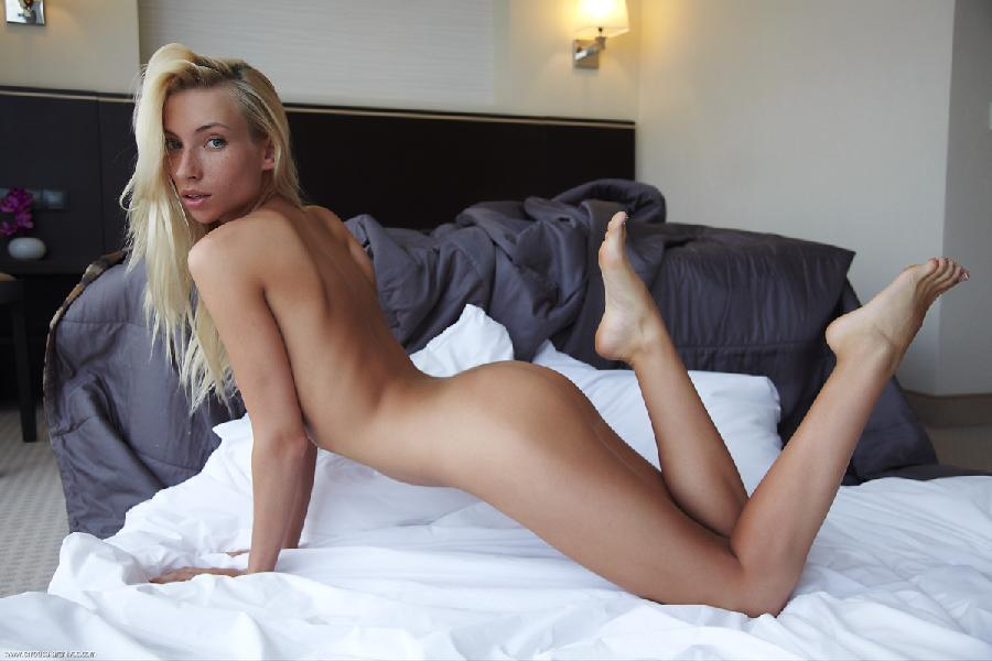 Naked blonde in hotel room - Adele. Part 3 - 10