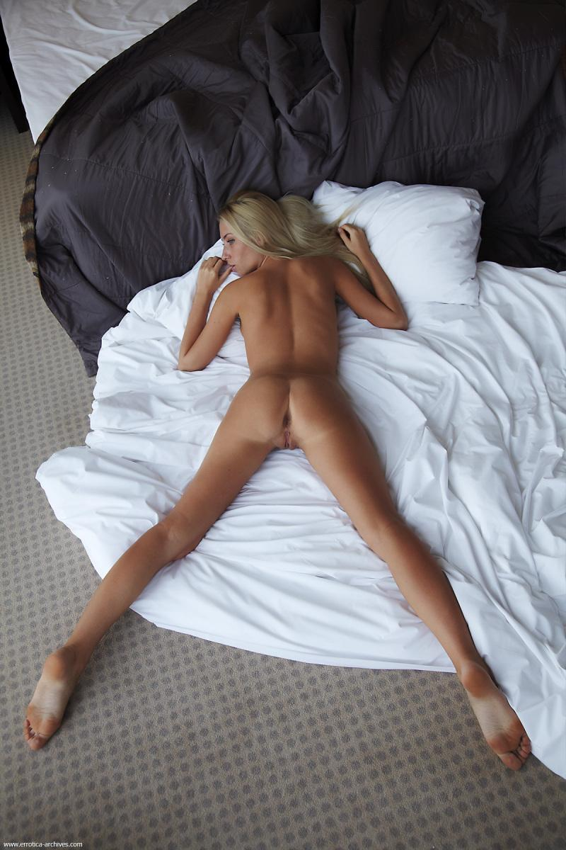 Naked blonde in hotel room - Adele. Part 3 - 11