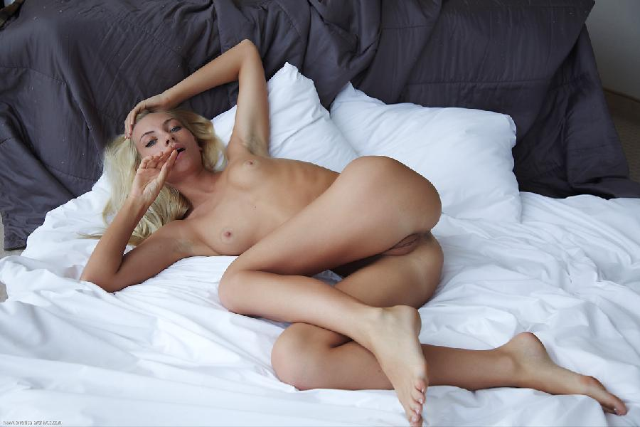 Naked blonde in hotel room - Adele. Part 3 - 3