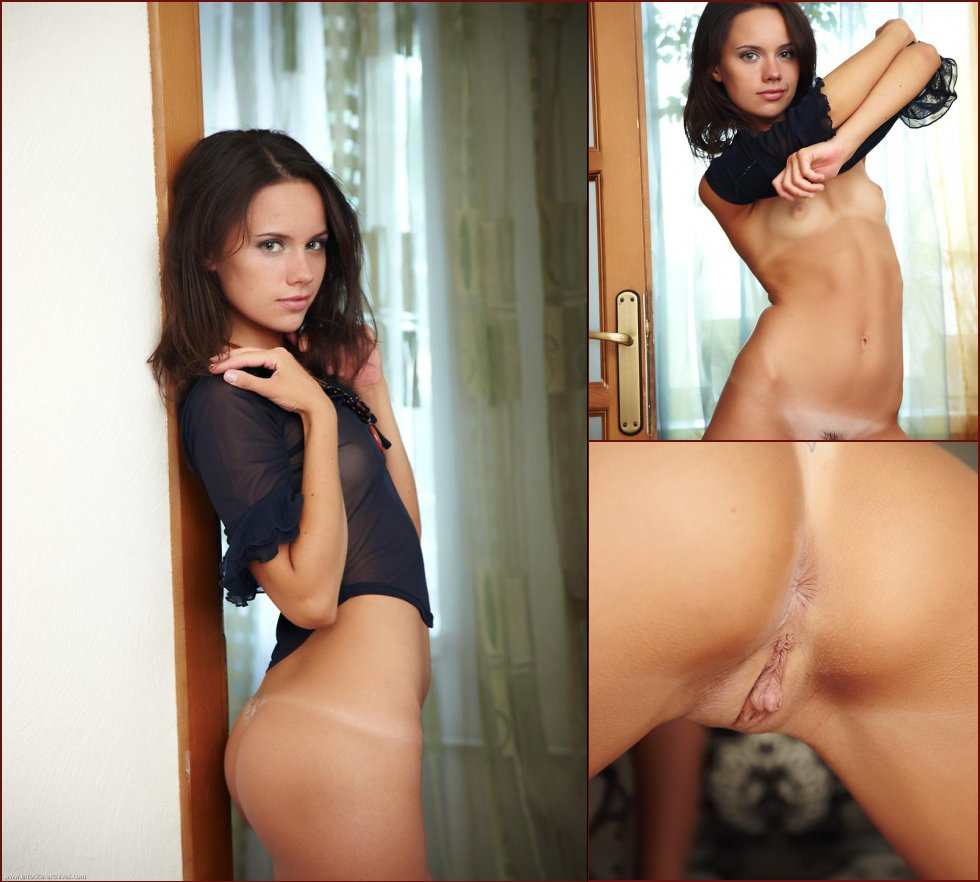 Young girl with meaty pussy - Cassia - 49