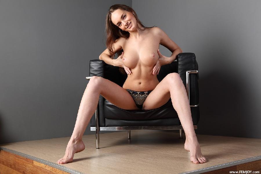 Секс в кожаном кресле 14 фотография