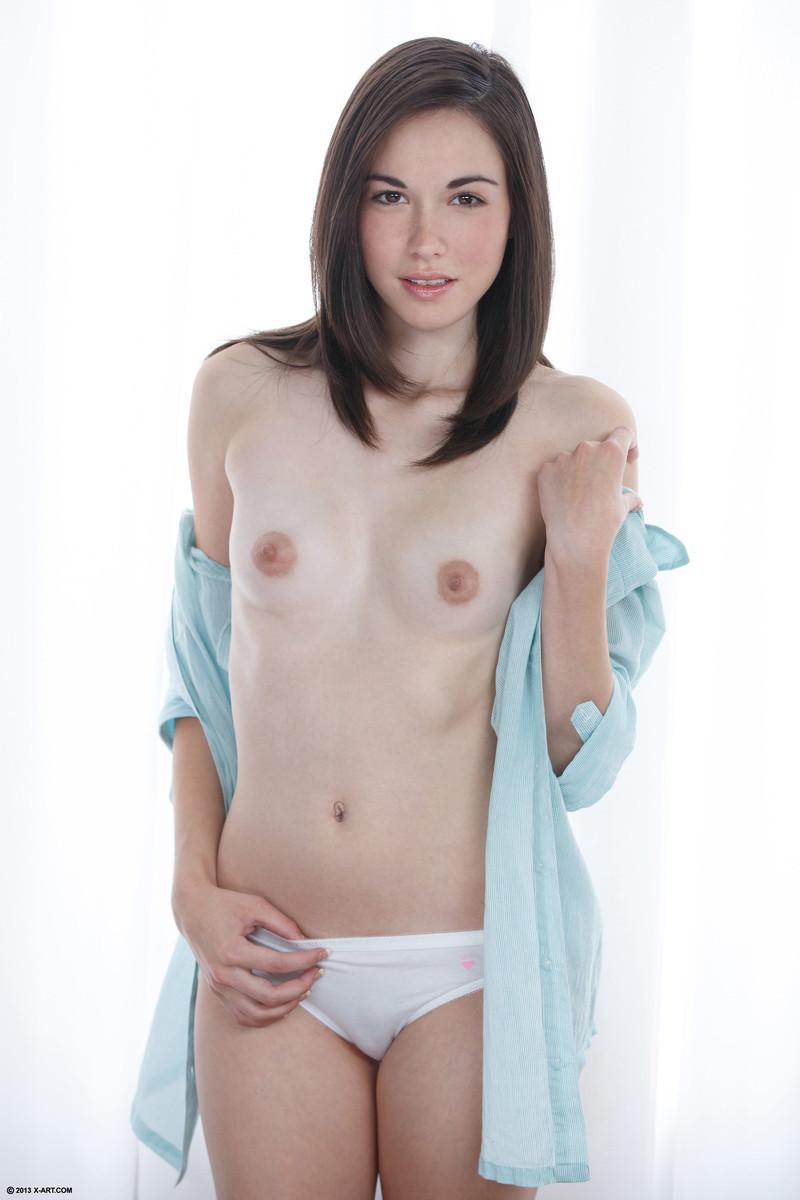 It's time for little pleasure - Emilie - 1