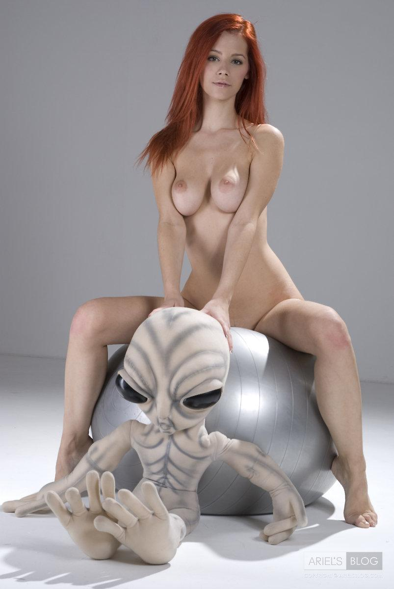 naked alien woman pics