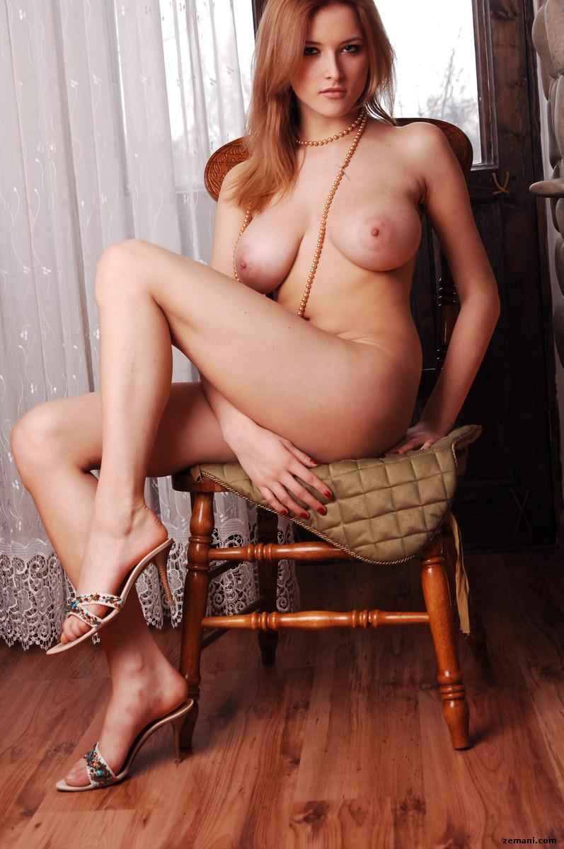 Busty beauty with long legs - Gerra - 10