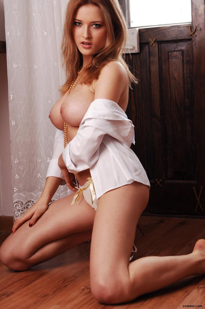 Busty beauty with long legs - Gerra - 3