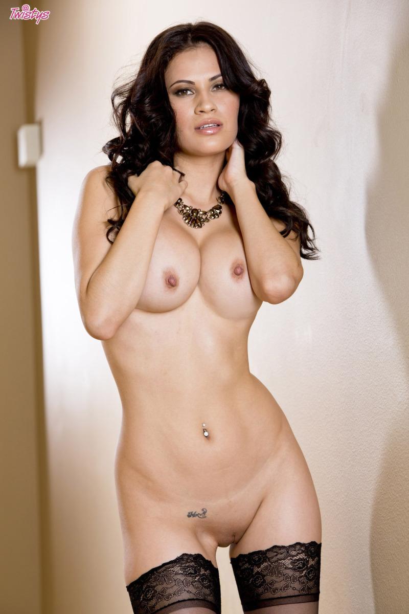 Busty Latina in sexy black lingerie - Vanessa Veracruz - 8