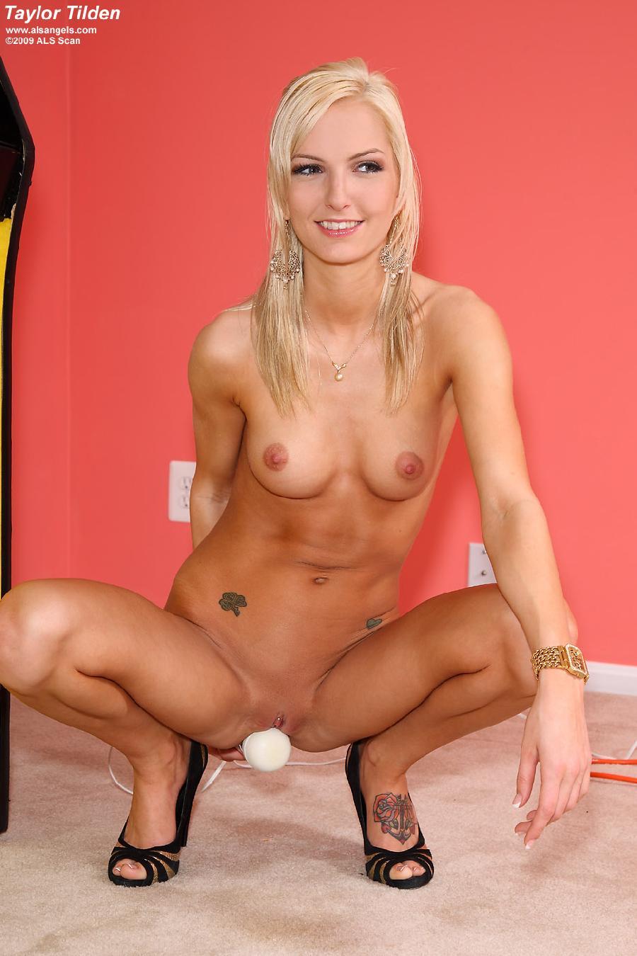 Naked hottie and big vibrator - Taylor Tilden - 9