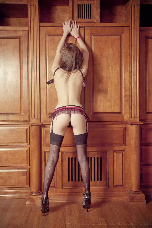 Very sexy Kiera shows amazing ass - 5