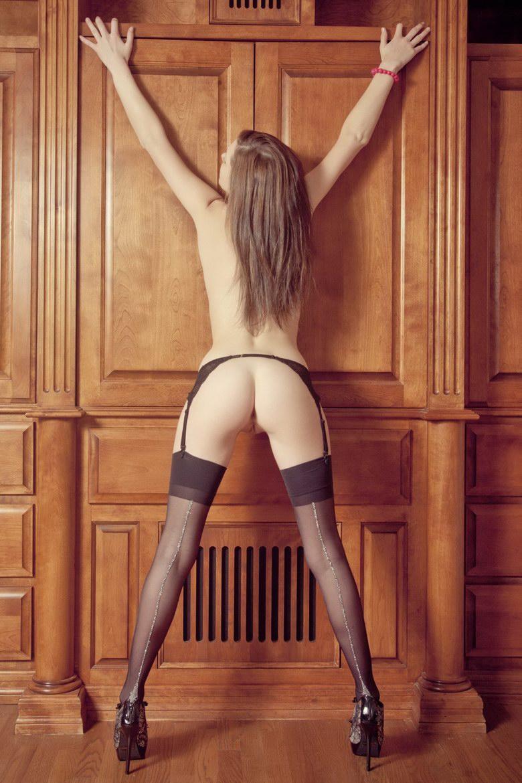 Very sexy Kiera shows amazing ass - 6