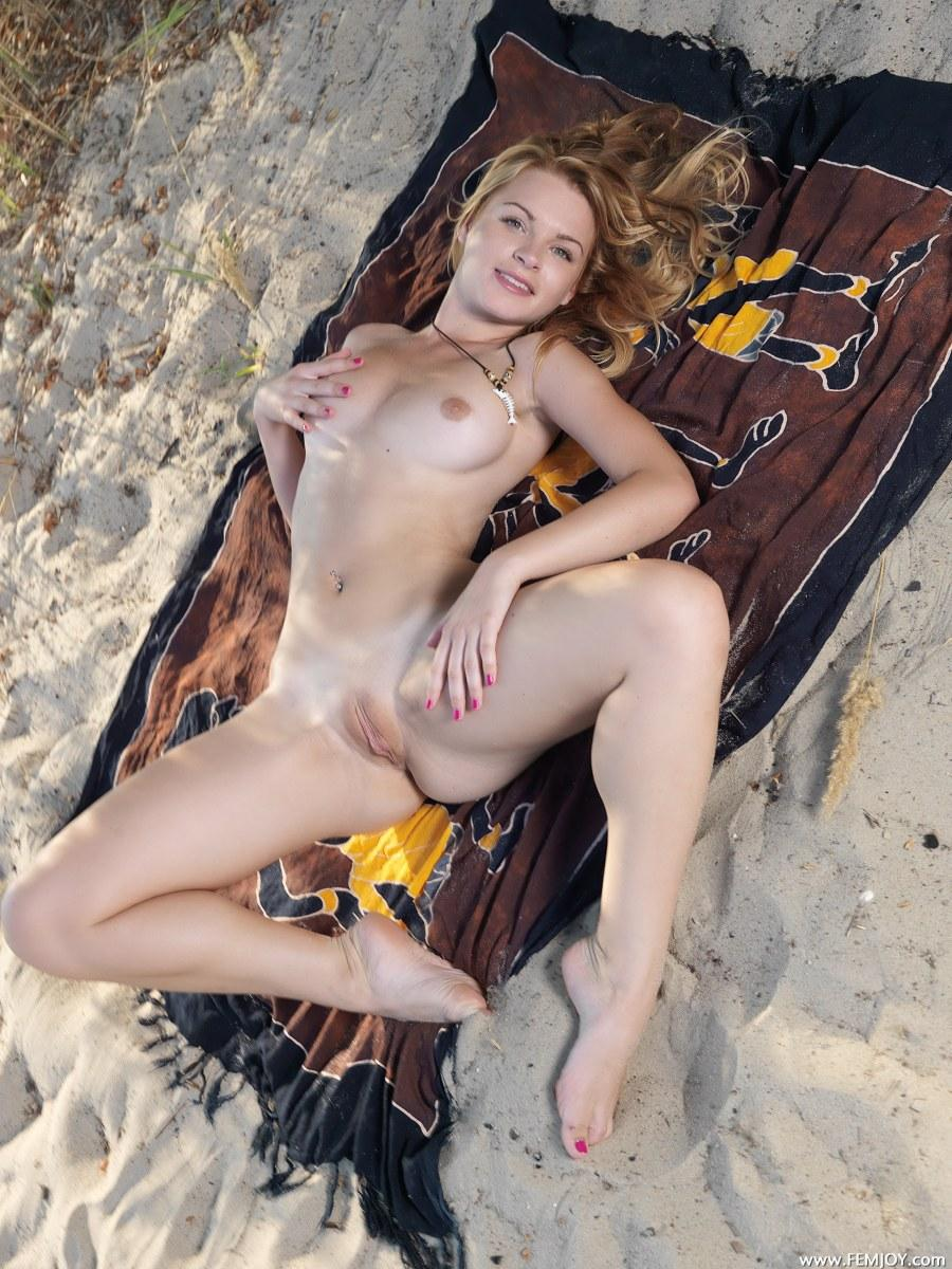 Naked blonde with beautiful clitoris - Beau T - 7