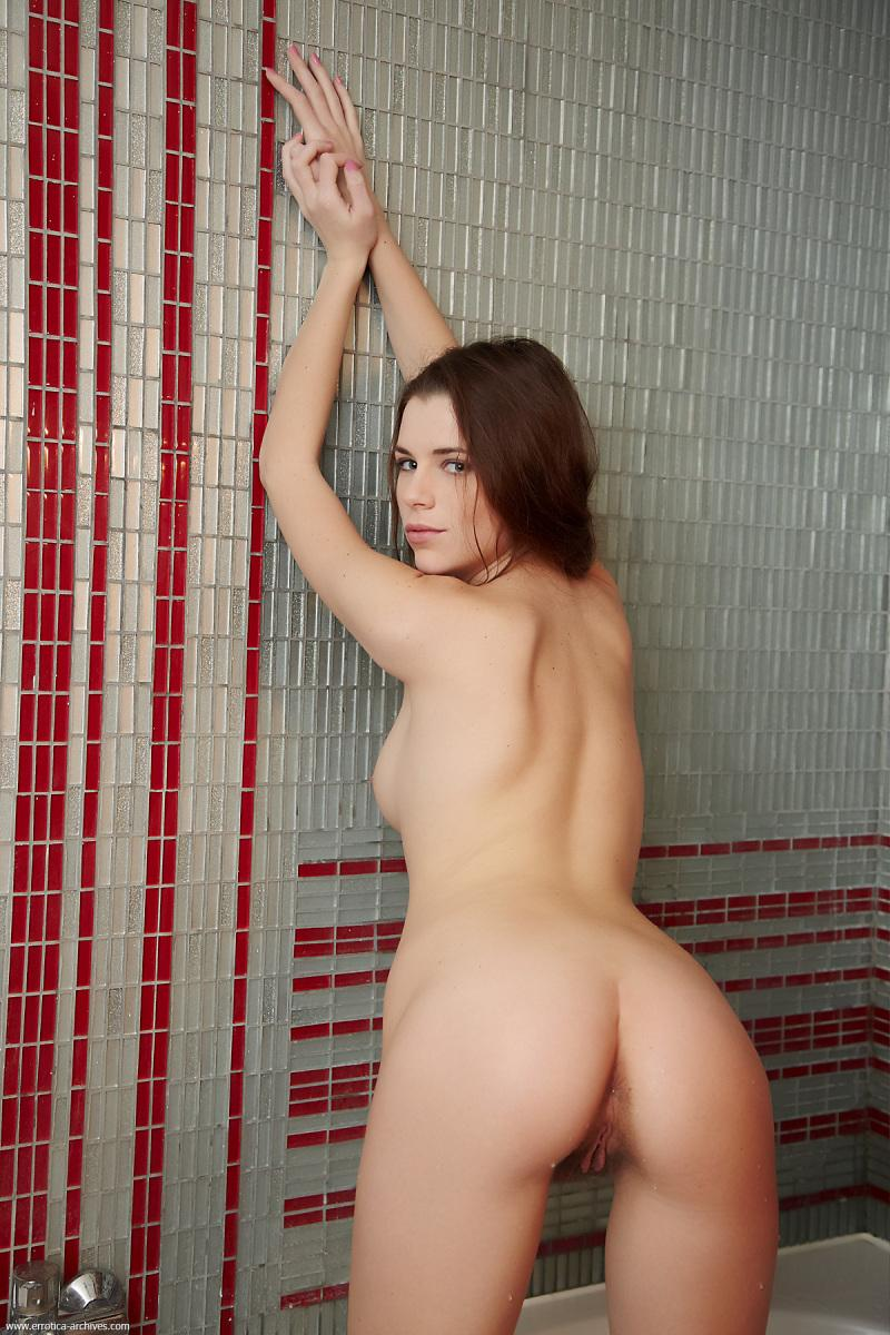 Marvelous young girl in bathroom - Jasna - 7