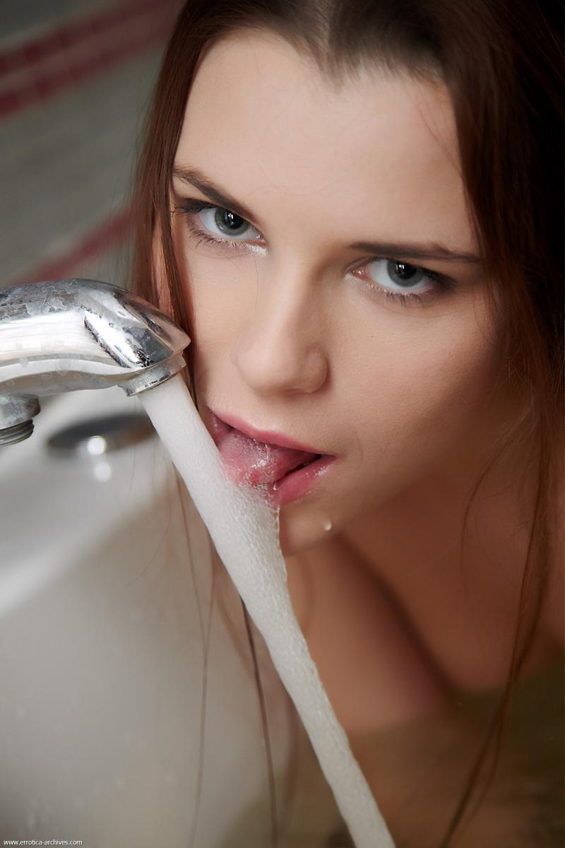Marvelous young girl in bathroom - Jasna - 9